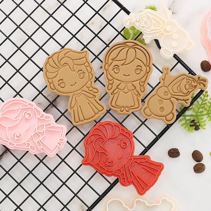 תבנית עוגיות של דמויות מוכרות 2