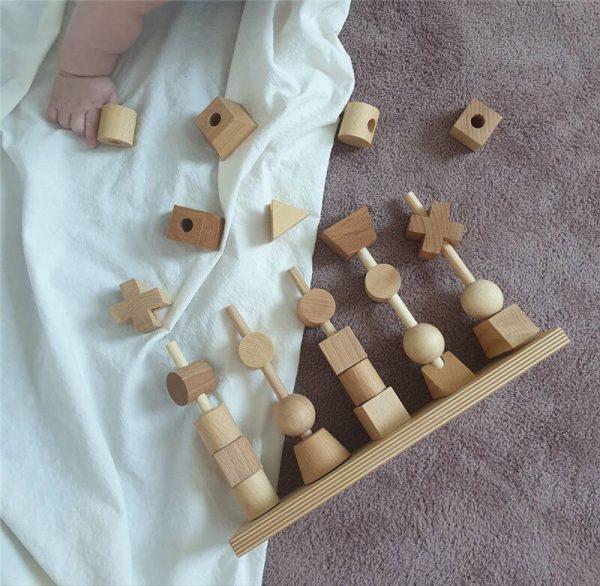 מגדל קוביות עץ 4